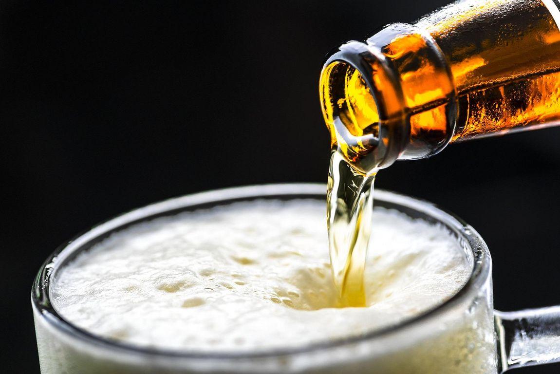 Alkoholfreies Bier als Erfrischungsgetränk: Deutsche greifen öfter zum Alkoholfreien