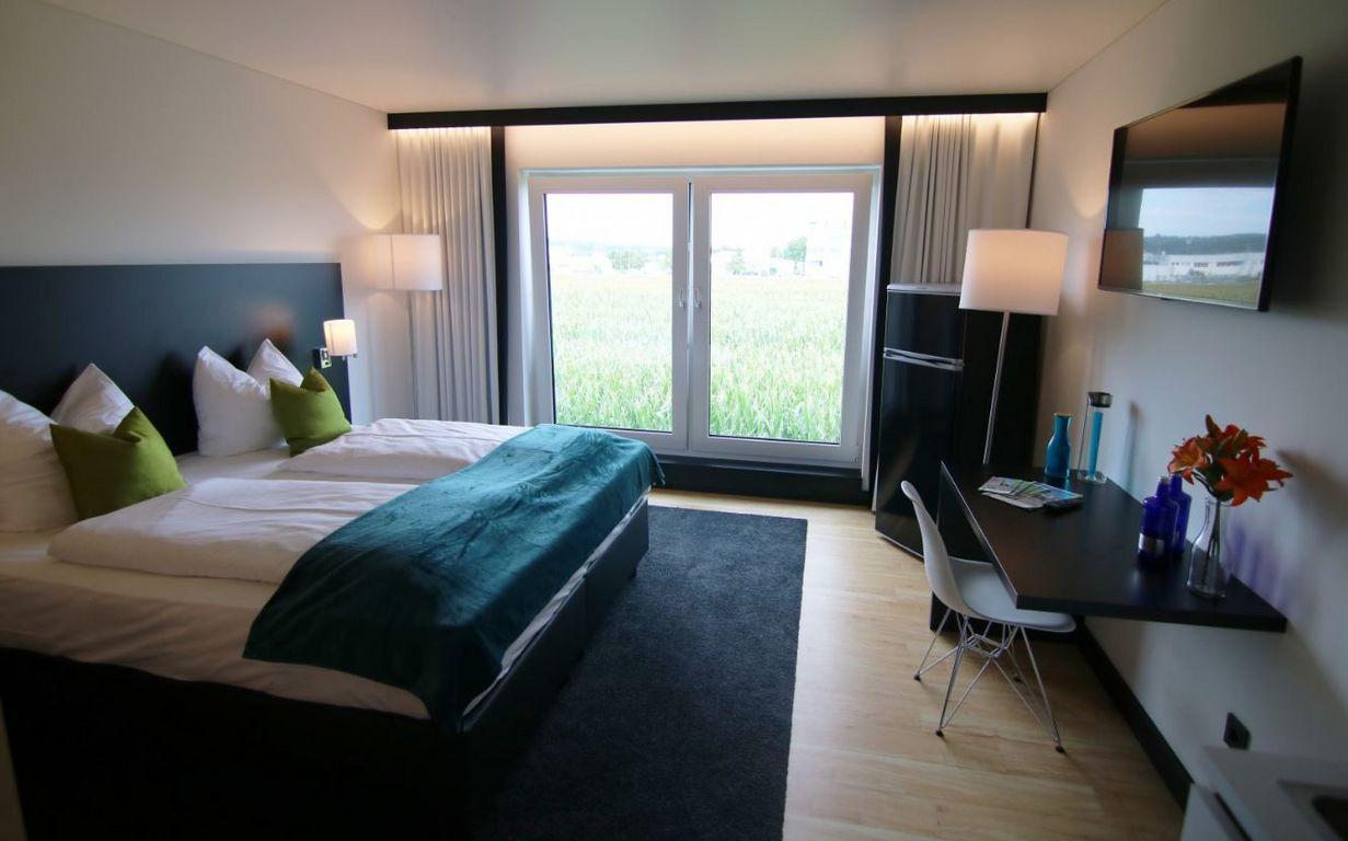 schlafen im hotel ohne personal tageskarte. Black Bedroom Furniture Sets. Home Design Ideas