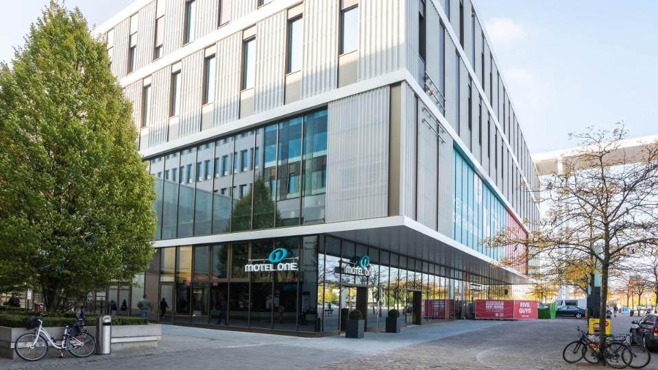 union investment und motel one er ffnen hotel in messestadt m nchen tageskarte. Black Bedroom Furniture Sets. Home Design Ideas